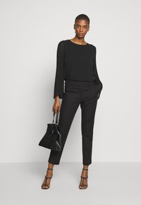 WEEKEND MaxMara - LEGENDA - Kalhoty - black - 1