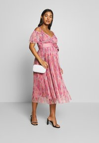 Anaya with love Maternity - PLEATED COLD SHOULDER MIDI DRESS WITH TIE BELT - Vapaa-ajan mekko - pink