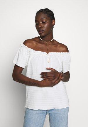 TORI - Jednoduché triko - chalk