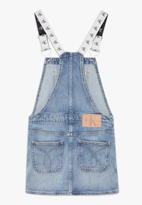 Calvin Klein Jeans - DUNGAREE DRESS  - Denimové šaty - denim - 1