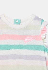 Nike Sportswear - SIDEWALK CHALK - Jumpsuit - white - 2