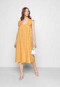 Vero Moda - VMLANIE DRESS - Vestido informal - cornsilk - 1