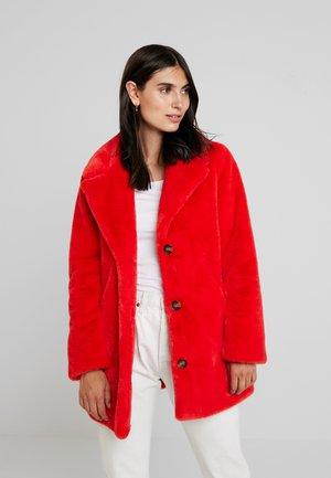 USER - Winter coat - red
