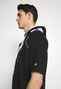 Champion - HOODED SHORT SLEEVES - Sweatshirt - black/white - 3