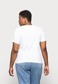 Selected Femme Curve - SLFANDARD NECK TEE - Jednoduché triko - bright white - 2