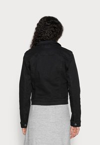 Vero Moda Petite - VMHOT SOYA JACKET - Denim jacket - black - 2