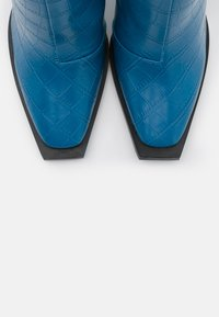 RAID - SPHERE - Bottes à talons hauts - blue - 5