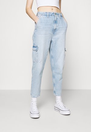 MOM JEAN CARGO  - Cargo trousers - denim light