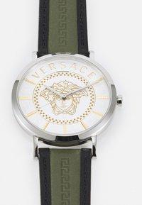 Versace Watches - ESSENTIAL UNISEX - Reloj - green - 4