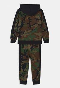 Jordan - JUMPMAN CLASSICS SET - Tracksuit - multi-coloured/dark green - 1
