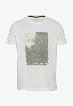 MIT PLATZIERTEM FOTOPRINT - T-shirt print - broke white
