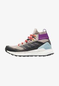 TERREX FREE HIKER - Hiking shoes - light brown/simple brown/ash grey