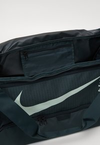 Nike Performance - DUFF UNISEX - Sports bag - seaweed/seaweed/pistachio frost - 3