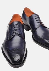 SHOEPASSION - NO. 5438 - Smart lace-ups - dark blue - 5