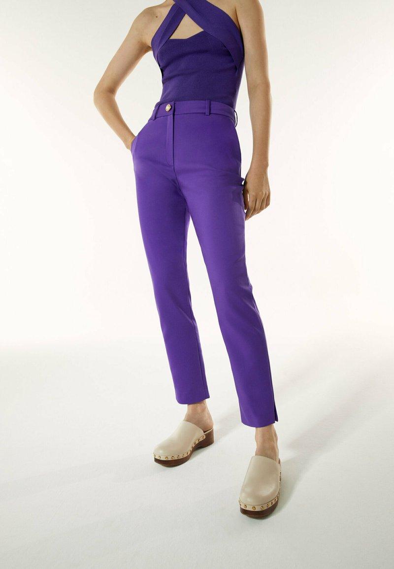 Uterqüe - Chinos - purple