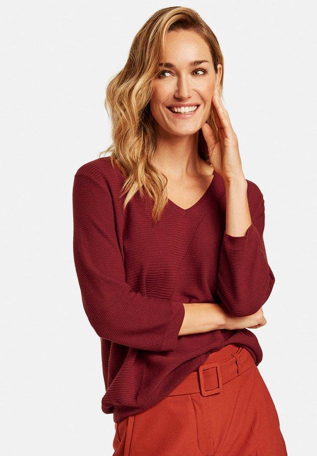 MIT V-AUSSCHNITT - Pullover - sienna