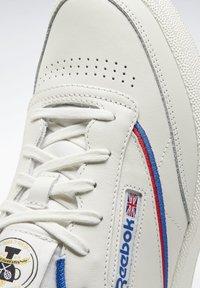 Reebok Classic - CLUB C 85 SHOES - Baskets basses - white - 6