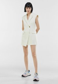 Bershka - ELEGANTES - Waistcoat - white - 1
