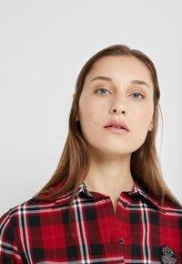 Lauren Ralph Lauren - CLASSIC CREST - Camisa - red/black - 3