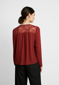 Vero Moda - VMEMMA - Blouse - madder brown - 2