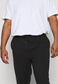 INDICODE JEANS - EBERLEINPLUS - Trousers - black - 4