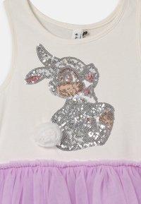 Cotton On - LICENSE IRIS DRESS UP - Žerzejové šaty - lilac - 2