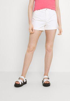 TALLIE - Jeansshorts - off white