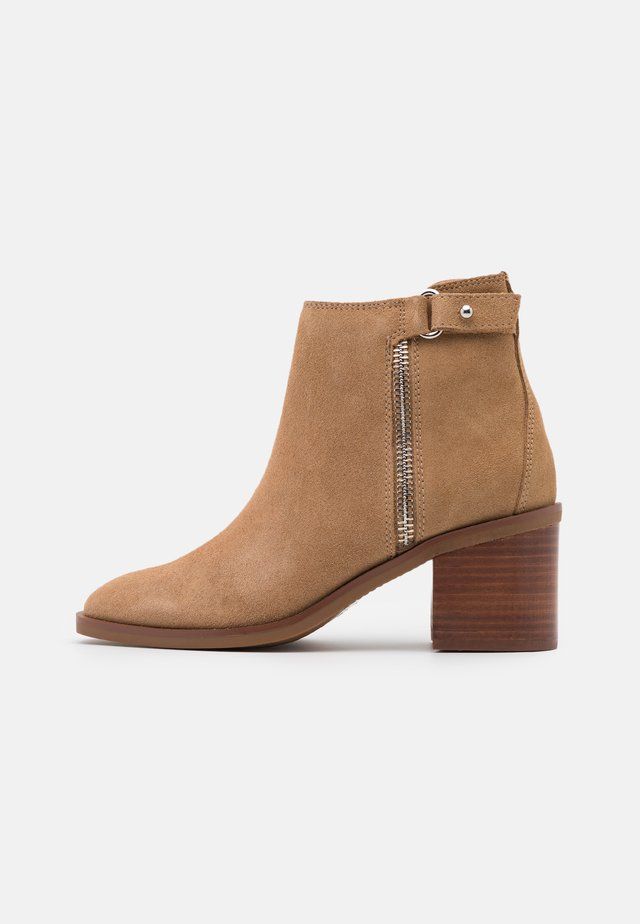 DARREBA - Ankle boots - medium beige