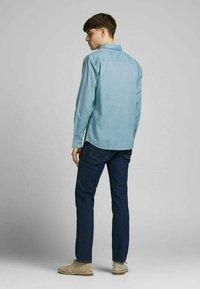 Jack & Jones PREMIUM - Formal shirt - dusk blue - 2