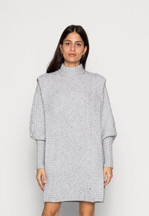 ARRIAA CABLE SWEATER DRESS - Jumper dress - mid grey