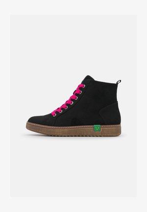 VEGAN - Ankle Boot - black/pink