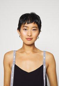 Calvin Klein Jeans - LOGO STRAP TANK - Top - ck black - 3