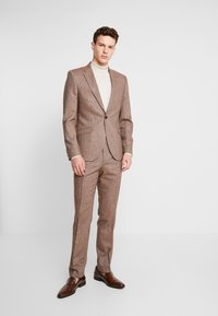 Shelby & Sons - CRANBROOK SUIT - Traje - light brown - 0