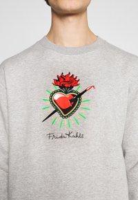 Nominal - FREDA KAHLO HEART CREW - Sweatshirt - grey marl - 4