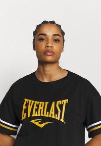 Everlast - T-shirt con stampa - black/nuggets/white - 3