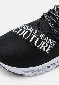 Versace Jeans Couture - LINEA FONDO SUPER  - Zapatillas - black - 5