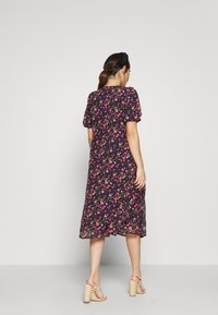 Vero Moda Petite - VMVILDE CALF DRESS - Kjole - navy - 2