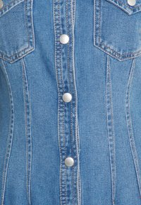 New Look - RONDA DART DRESS - Robe en jean - mid blue - 2