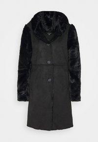 FAUX SHEARLING COAT - Klasický kabát - black