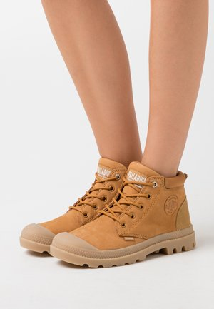 LOW CUF LEA  - Ankle boots - amber gold