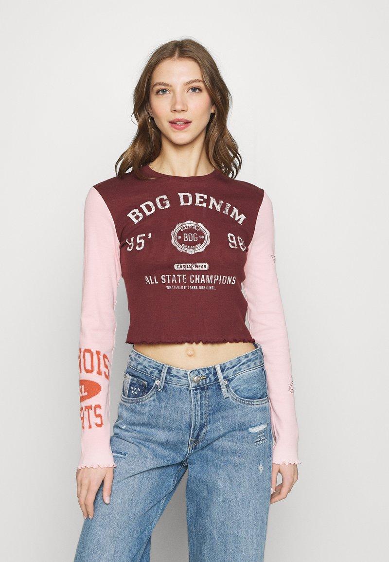 BDG Urban Outfitters - COLLEGIATE LETTUCE TEE - Long sleeved top - burgundy