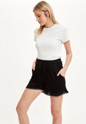 DEFACTO WOMAN BLACK - Shorts - black