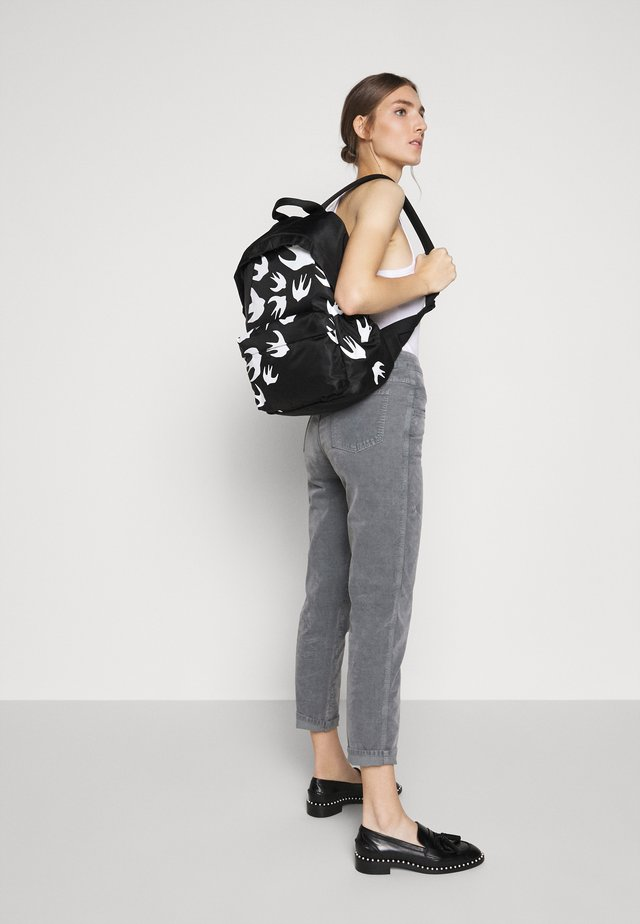 CLASSIC BACKPACK SWALLOW - Sac à dos - black