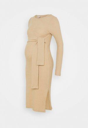 MLELLY DRESS - Pouzdrové šaty - nude