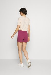 Nike Sportswear - Shorts - mulberry rose - 2