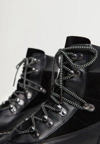 Mango - MOUNTAIN - Šněrovací kotníkové boty - black - 5