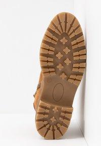 s.Oliver - Šněrovací kotníkové boty - dark cognac - 6