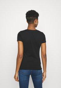 Pepe Jeans - Basic T-shirt - black - 2