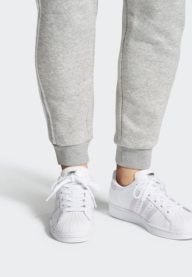 SUPERSTAR SHOES - Sneakersy niskie - white