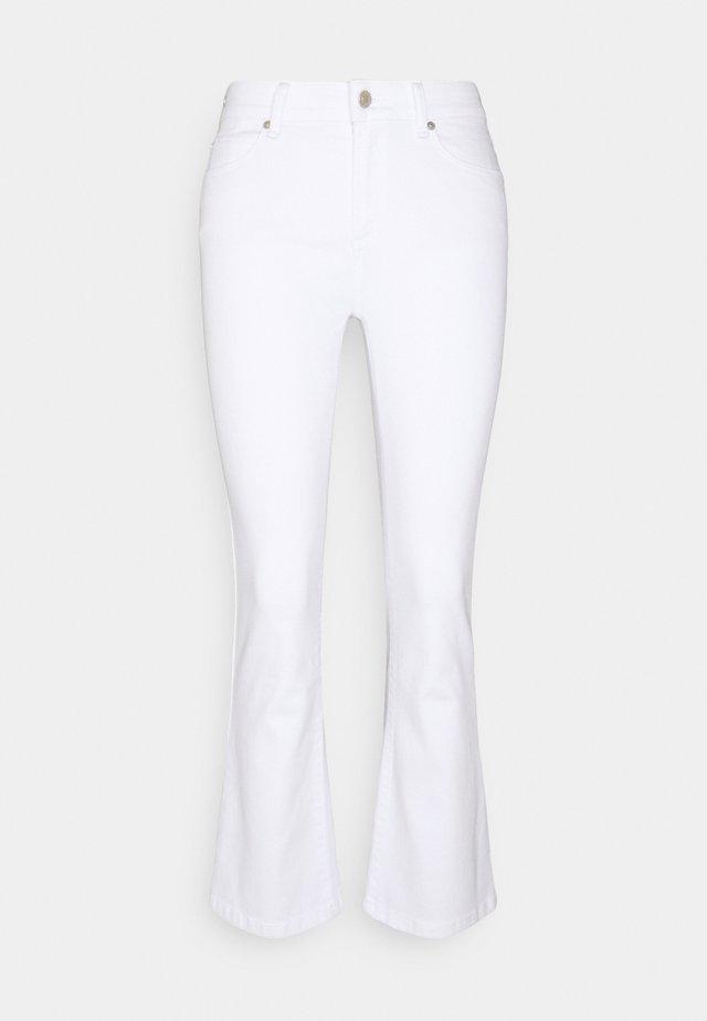 JOHANNA KICK FLARE  - Jean flare - white